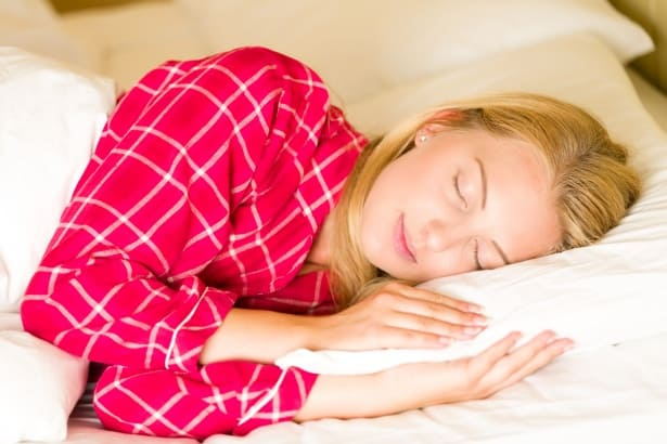 carbs at night improve sleep which helps fat loss
